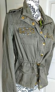 Jacket LARGE army type with metallic stud short